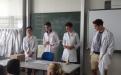 LK-Chemie präsentiert Messresultate an der Uni.